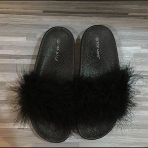 Feather slides size 6.5